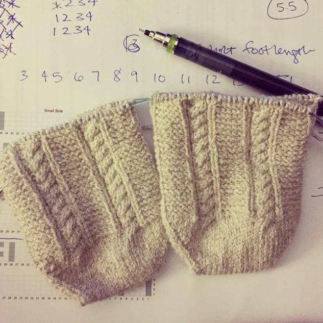https://knittingsarah.files.wordpress.com/2015/04/d6f17-11187049_648408205304172_29685794_n.jpg